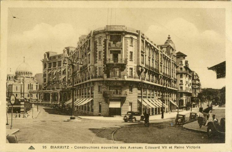 Hôtel Carlton, dans les années 1920. Fausses briques notables sur les côtés.