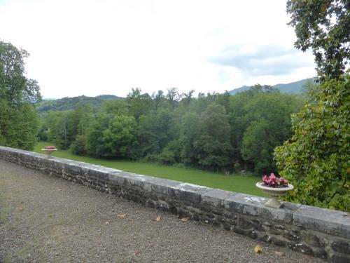 Vue sur l'ancien jardin en terrasses (état actuel)
