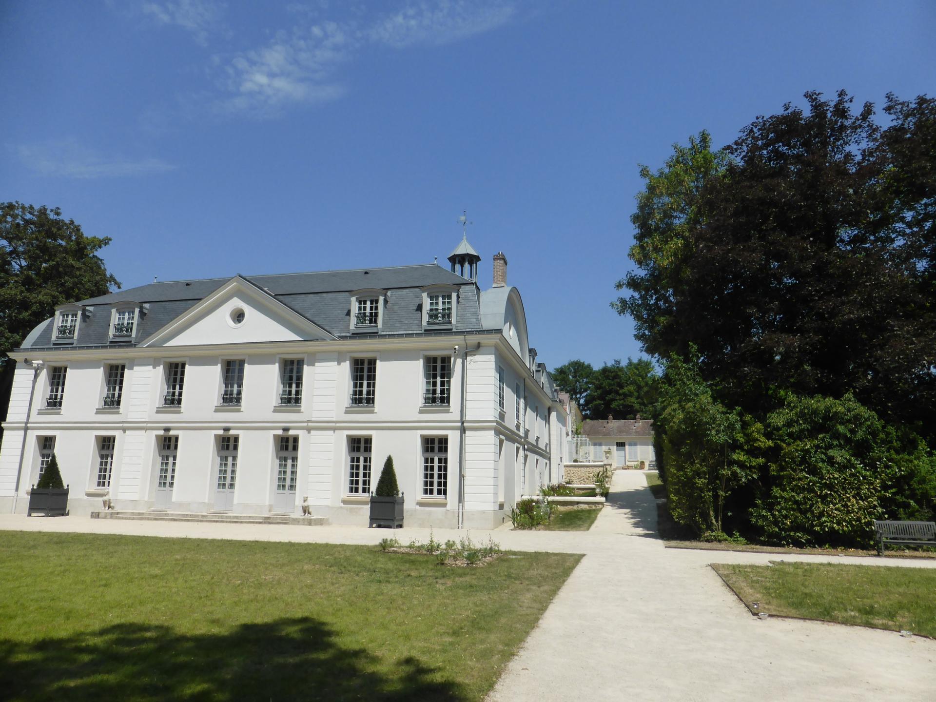Le château du côté du jardin (ancienne cour principale), cliché Ph. Cachau