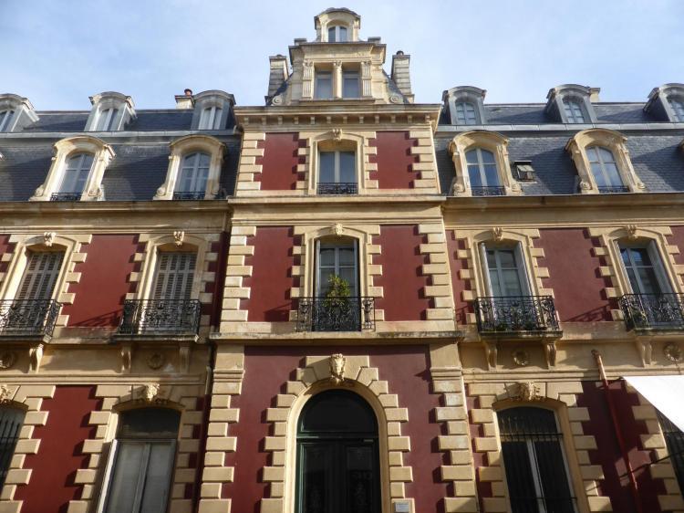 Alphonse Bertrand, Grand Hôtel, aile de 1875, autrefois en fausse brique, cl. Ph. Cachau