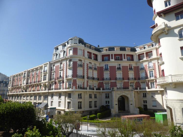 Hôtel Carlton, 1908-1910, façade autrefois en fausse brique et pierre, cl. Ph. Cachau