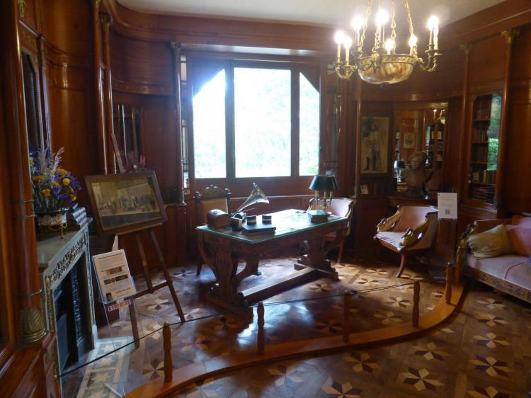 Bureau style Empire d'Edmond Rostand, cl. Ph. Cachau