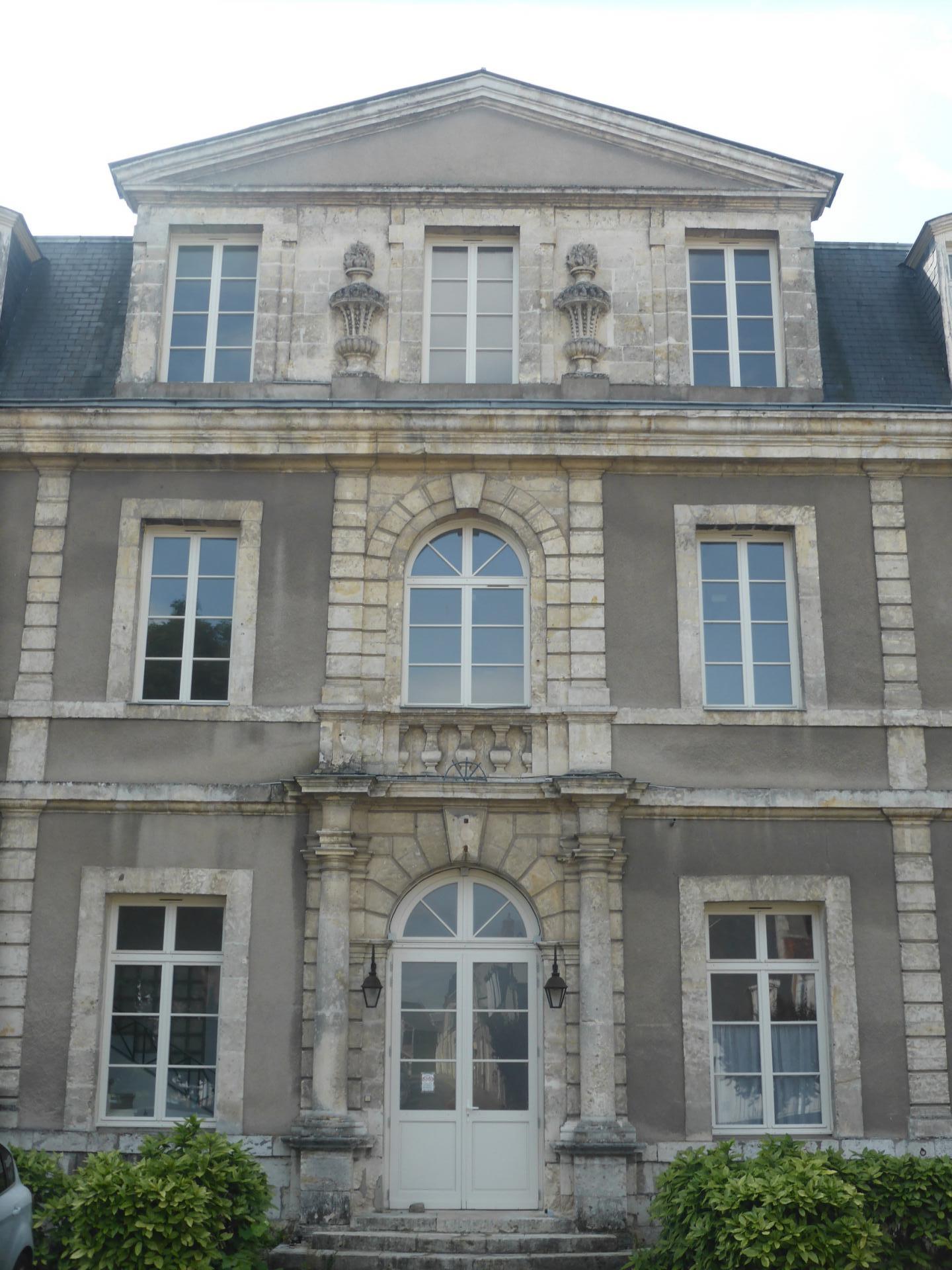 Châteaudun, corps central de l'abbaye de la Madeleine, XVIIIe siècle, cl. Ph. Cachau