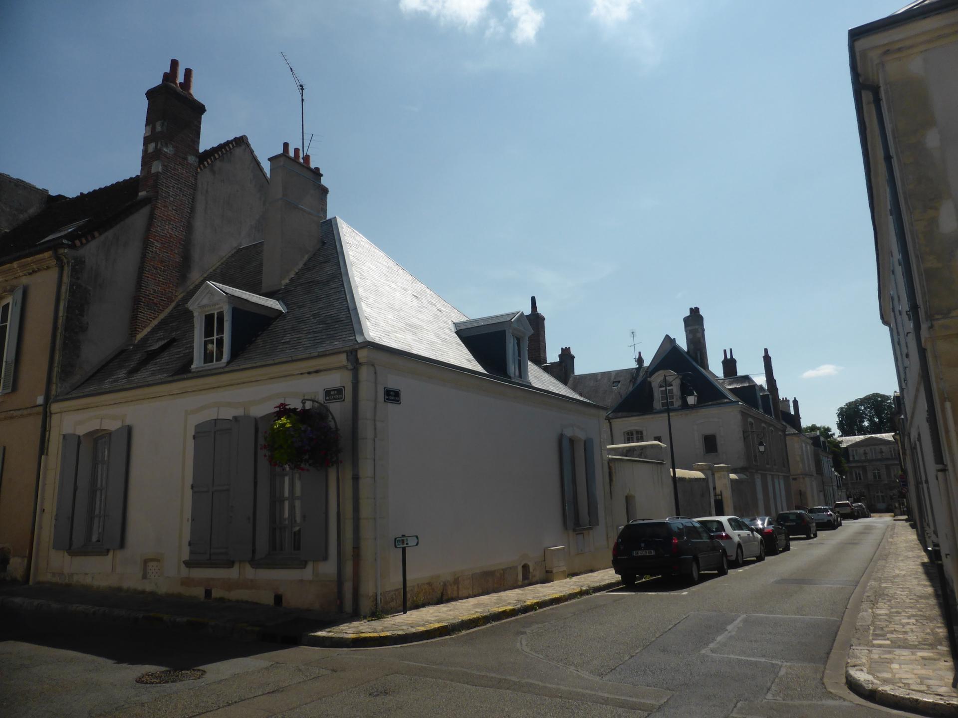 Châteaudun, maison basse et rue en perspective, XVIIIe siècle, cl. Ph. Cachau