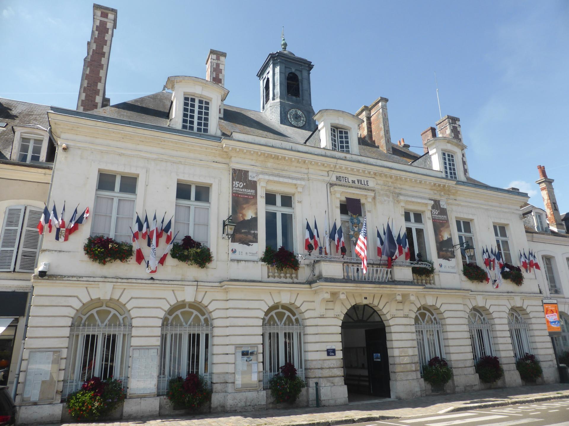 Châteaudun, Hôtel de Ville, 1777-1783, cl. Ph. Cachau