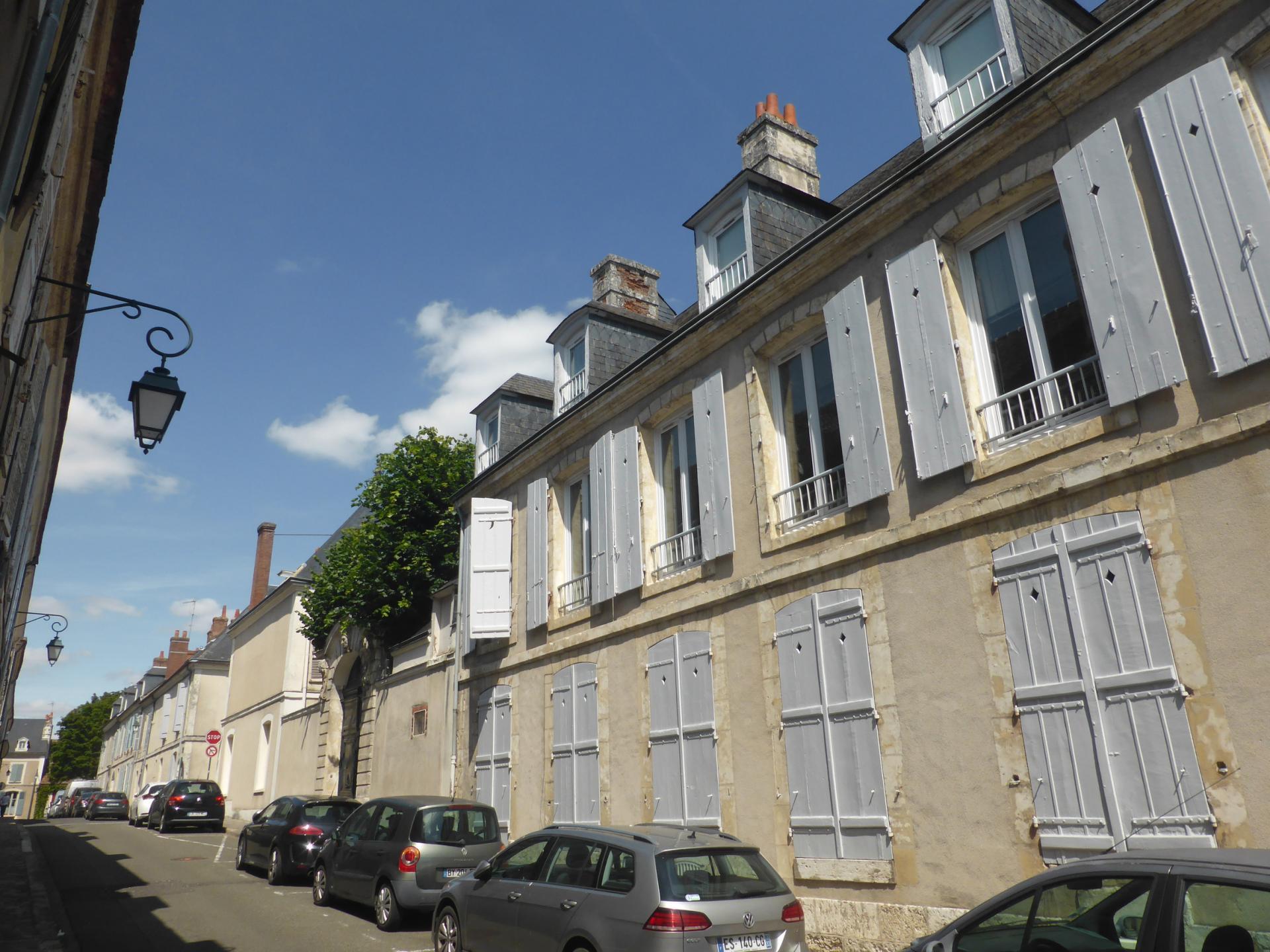 Châteaudun, maison sur deux niveaux et rue en perspective, XVIIIe siècle, cl. Ph. Cachau