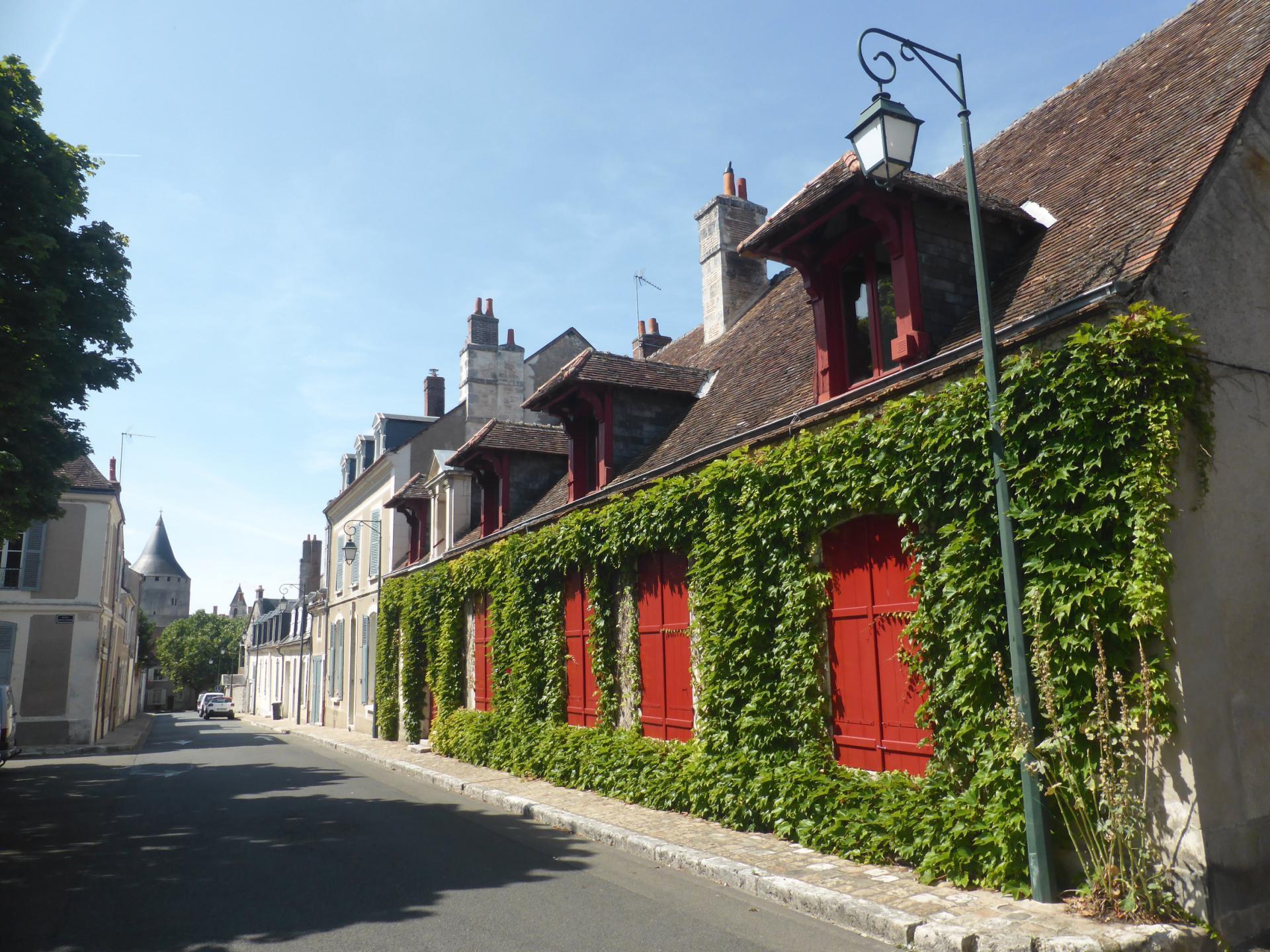 Châteaudun, maison basse XVIIIe, remaniée au XIXe siècle, cl. Ph. Cachau